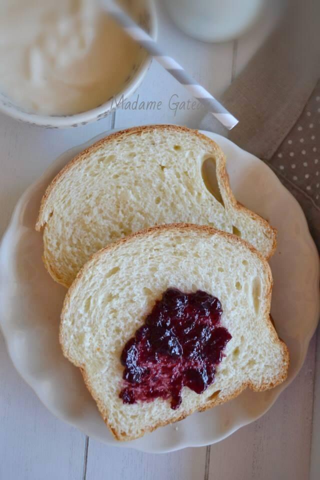 Pan Brioche allo yogurt di albicocca