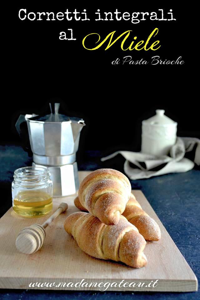 croissant integrali al miele con pasta brioche